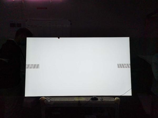 65寸2500亮度直下式户外高亮液晶屏2