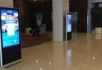 高亮显示屏广告机在酒店领域的应用特点